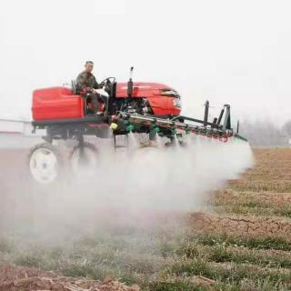 What are the characteristics of dryland spraying machine?